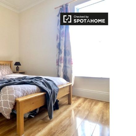 Rent this 6 bed apartment on 24 Rathdown Road in Arran Quay B ED, Dublin