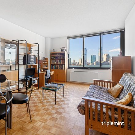 Rent this 1 bed condo on 99 Battery Place in New York, NY 10280