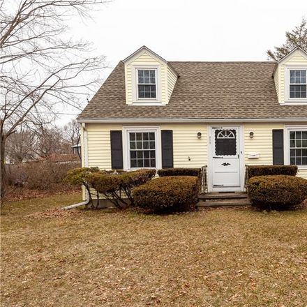 Rent this 4 bed apartment on 392 West Shore Road in Warwick, RI 02889