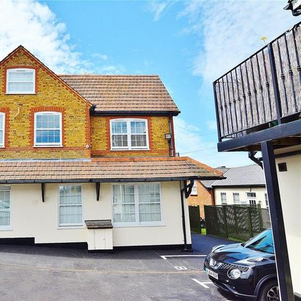 Rent this 2 bed apartment on Highfield Road in Hertsmere WD23 2GR, United Kingdom