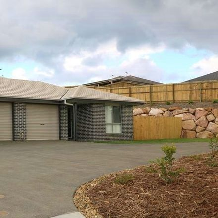 Rent this 4 bed house on Diamantina Circuit