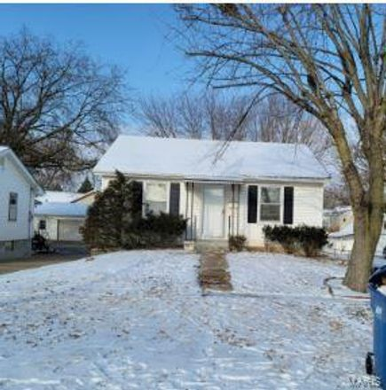 Rent this 3 bed house on 3755 Raymond Avenue in Bridgeton, MO 63044