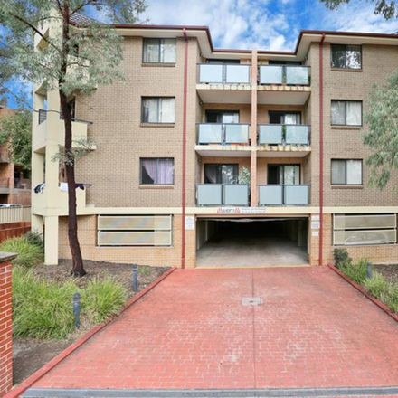 Rent this 2 bed apartment on 7/26 Hythe Street