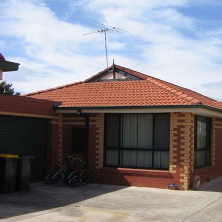 Rent this 3 bed apartment on 2/99 POWER Street