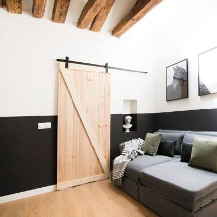 Rent this 2 bed apartment on Calle de la Redondilla in 28001 Madrid, Spain