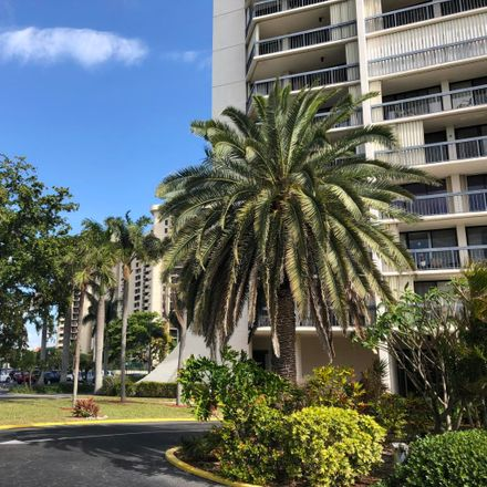 Rent this 2 bed condo on 2425 Presidential Way in West Palm Beach, FL 33401