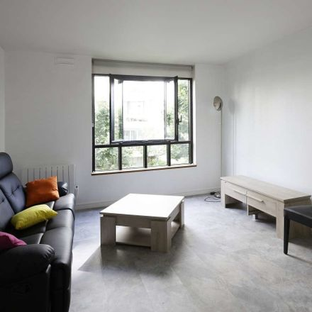 Rent this 1 bed apartment on Allée Henri Matisse in 92300 Levallois-Perret, France