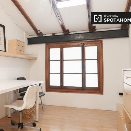 Rent this 2 bed apartment on Carrer de Pepita in 46009 Valencia, Spain