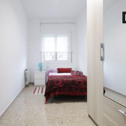 Rent this 2 bed room on plaça de Joaquim Torrents i Lladó in 08911 Badalona, Spain