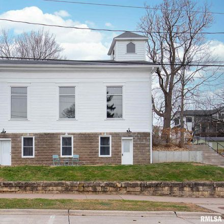 Rent this 1 bed apartment on 204 North 2nd Street in Le Claire, IA 52753