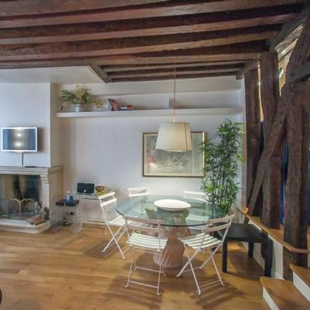 Rent this 2 bed apartment on 75 Rue Quincampoix in 75003 Paris, France