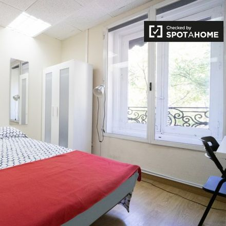 Rent this 9 bed apartment on Génova in pares, Calle de Génova