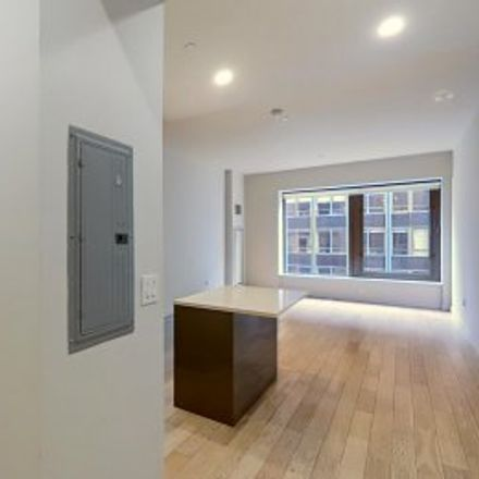 Rent this 2 bed apartment on #23P in 75 Wall Street, Financial District