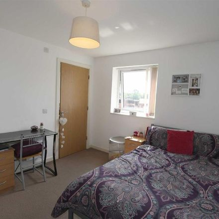 Rent this 3 bed apartment on Quantum in 4 Chapeltown Street, Manchester M1 2BH