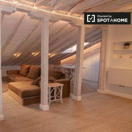 Rent this 1 bed apartment on Teatro La Latina in Plaza de la Cebada, 2