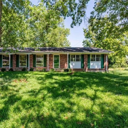 Rent this 3 bed house on Mason Manor Rd in Saint Louis, MO