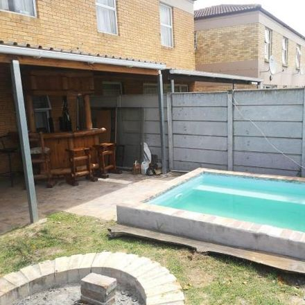 Rent this 3 bed house on Alomzicht Close in Cape Town Ward 8, Brackenfell