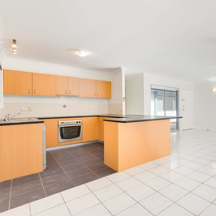 Rent this 5 bed house on 7 Lanark Street