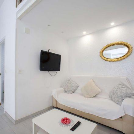 Rent this 2 bed apartment on Plaça del Cronista Francesc Momblanch
