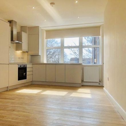 Rent this 2 bed apartment on Wiltons Patisserie in Chase Side, London N14 5PA