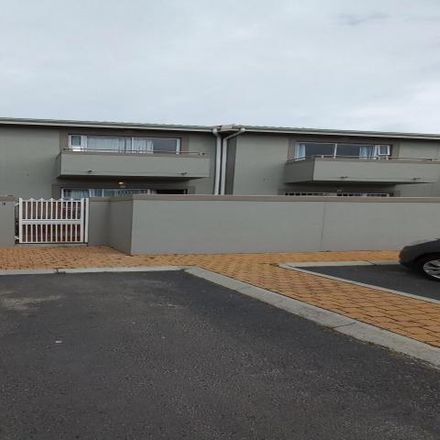 Rent this 2 bed townhouse on unnamed road in Parklands, Western Cape