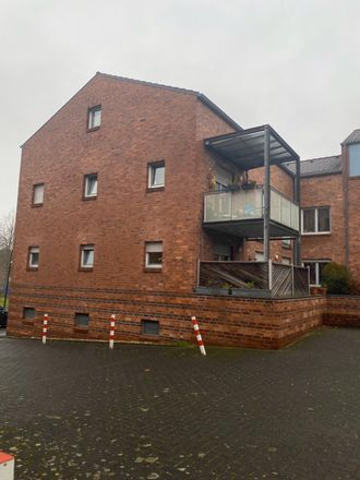 Rent this 2 bed apartment on Klosterstraße 16 in 41747 Viersen, Germany