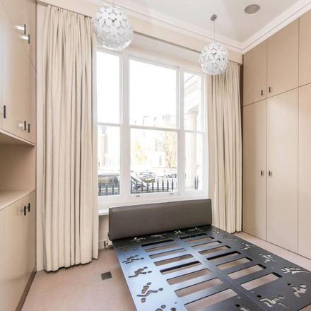 Rent this 3 bed apartment on 78;80 Randolph Avenue in London W9, United Kingdom