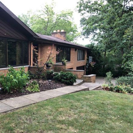 Rent this 3 bed house on 12701 South 84th Avenue in Palos Park, IL 60464