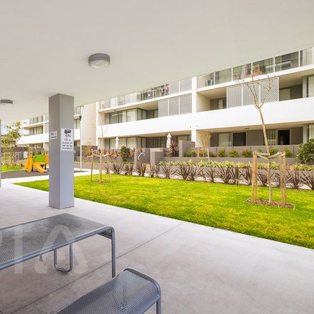 Rent this 1 bed apartment on 1402/39 Rhodes Street