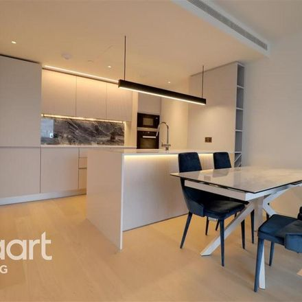 Rent this 2 bed apartment on London W12 7FU