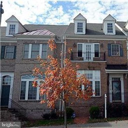 Rent this 3 bed townhouse on 1218 Gaither Road in Rockville, MD 20850