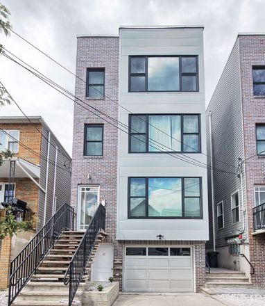 Rent this 3 bed condo on 314 10th Street in Union City, NJ 07087