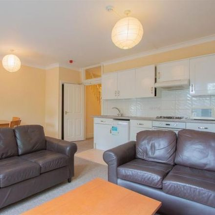Rent this 2 bed apartment on The Wallich Centre in Cathedral Road, Cardiff