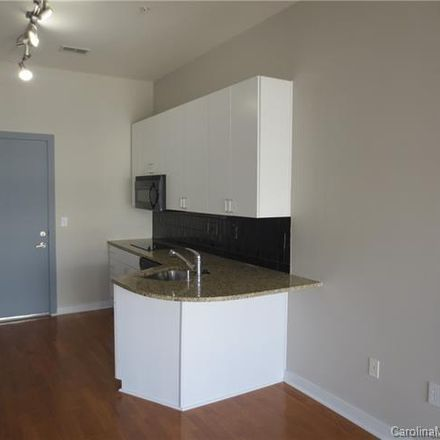 Rent this 1 bed condo on 525 East 6th Street in Charlotte, NC 28202