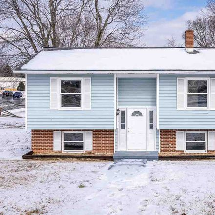 Rent this 3 bed house on 700 South 2nd Street in Shenandoah, VA 22849
