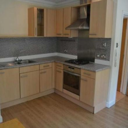 Rent this 2 bed apartment on Cardiff University in Queen's Buildings, West Grove
