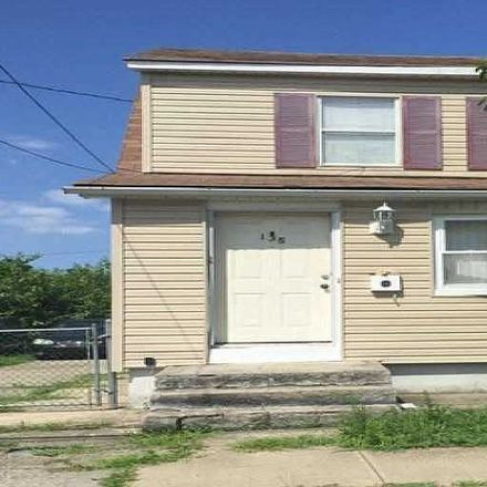 Rent this 3 bed house on 133 Gotham Avenue in Hempstead, NY 11003