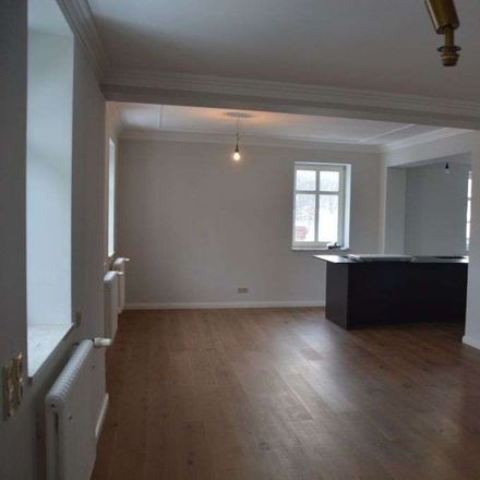 Rent this 6 bed duplex on SAXONY
