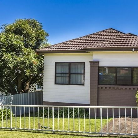 Rent this 2 bed house on 32 Lee Crescent