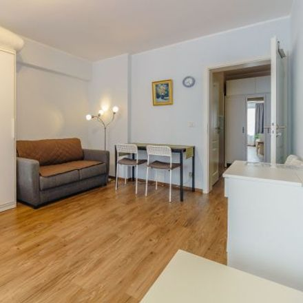 Rent this 3 bed apartment on Oberbilker Allee 26 in 40215 Dusseldorf, Germany