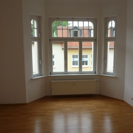 Rent this 3 bed apartment on Schalaunische Straße 34 in 06366 Köthen, Germany