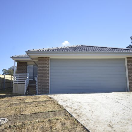 Rent this 4 bed house on 14 Hannah Street