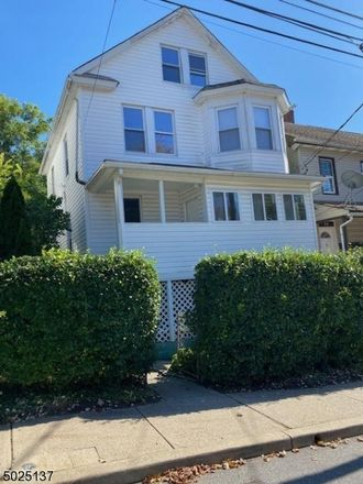 Rent this 3 bed house on Madison St in Morristown, NJ