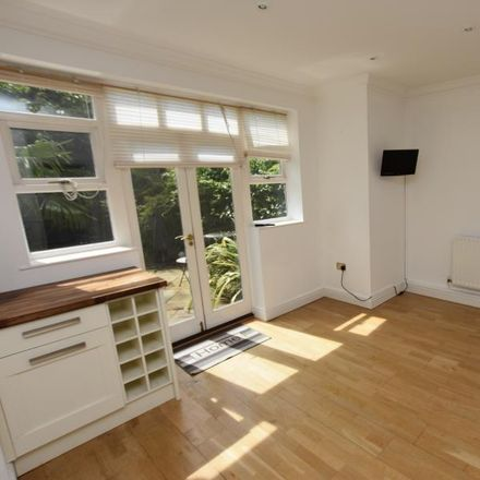 Rent this 3 bed house on Riverside Drive in Birmingham B29 7ES, United Kingdom