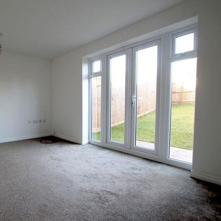 Rent this 3 bed house on Newark and Sherwood NG21 9FZ