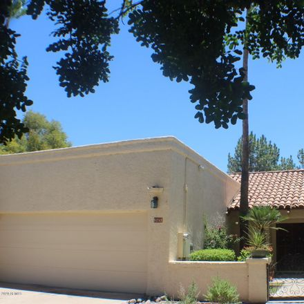 Rent this 3 bed townhouse on 5253 North 31st Place in Phoenix, AZ 85016