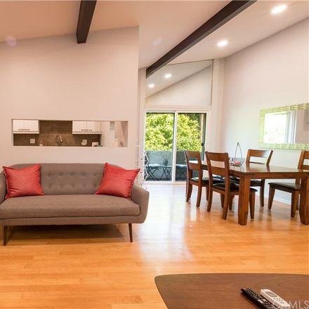 Rent this 1 bed condo on 1414 North Fairfax Avenue in Los Angeles, CA 90046