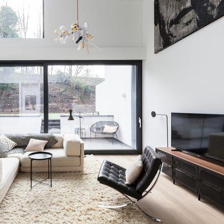 Rent this 4 bed house on Sint-Jobsesteenweg 521 in 1180 Ukkel, Belgium