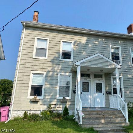 Rent this 2 bed duplex on Warren St in Hackettstown, NJ
