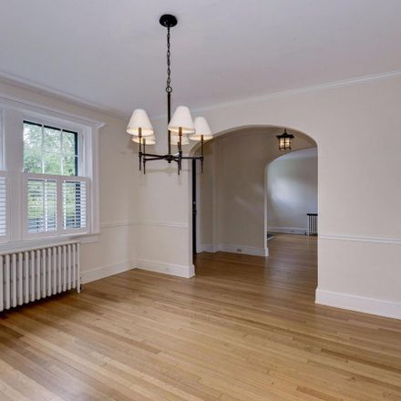 Rent this 5 bed house on 4706 32nd Street North in Arlington, VA 22207